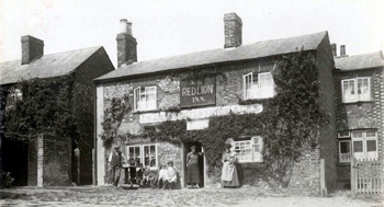The Red Lion about 1920 [Z1306/117]